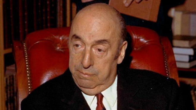Restos de Pablo Neruda fueron trasladados a su última sepultura en Isla Negra