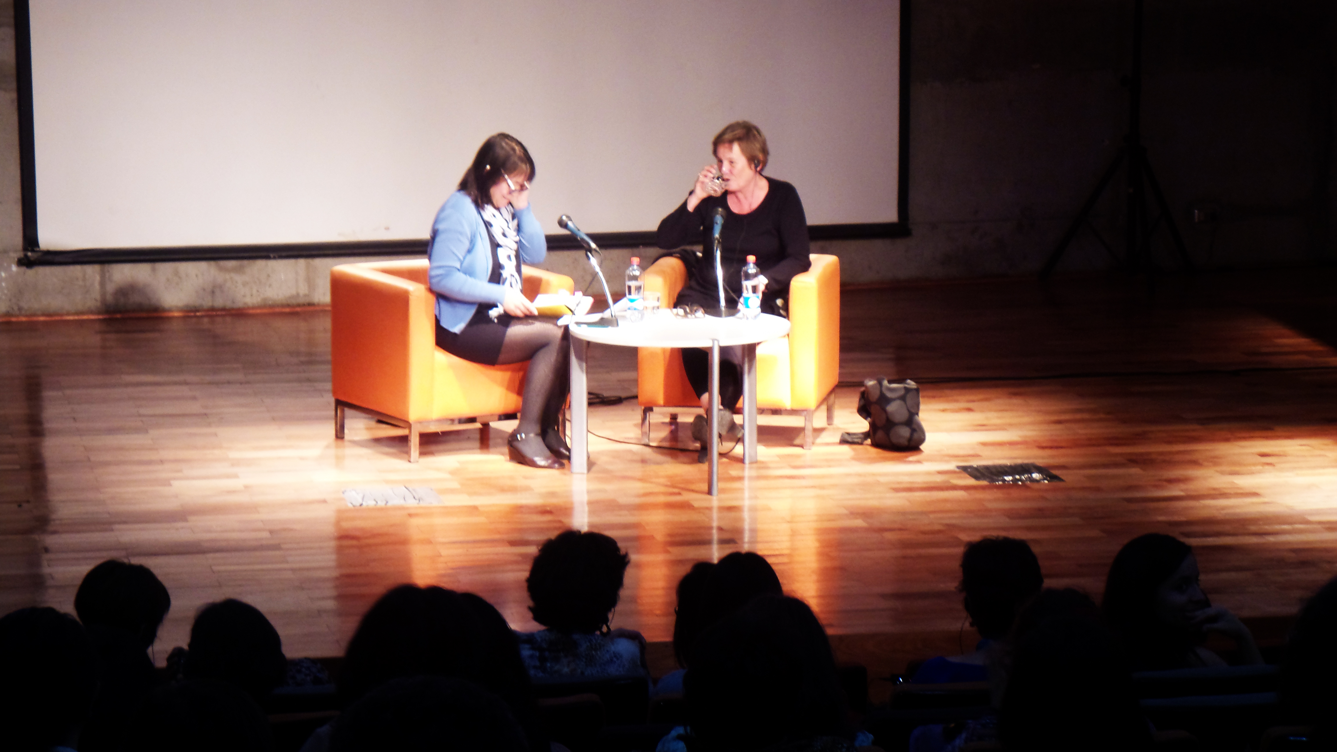 Jutta Bauer: No debemos enseñar a los niños a pensar en línea recta. Queremos creatividad