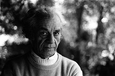 Nicanor Parra : Los 101 años del poeta y antipoeta.